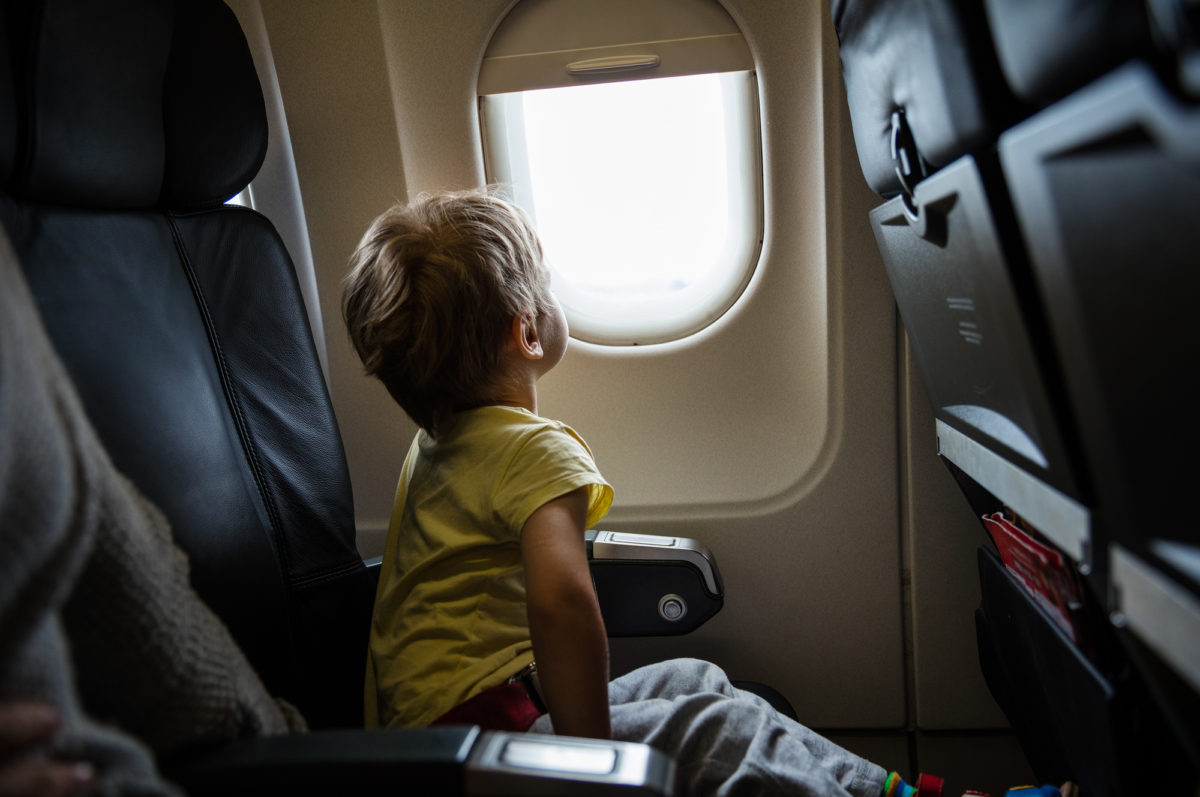 10 Tips to Keep Your Cool When Flying With Kids